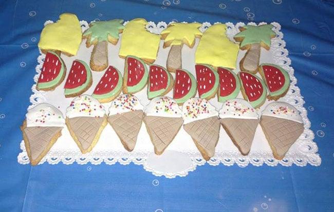 עוגיות בצורות מאכלי קיץ