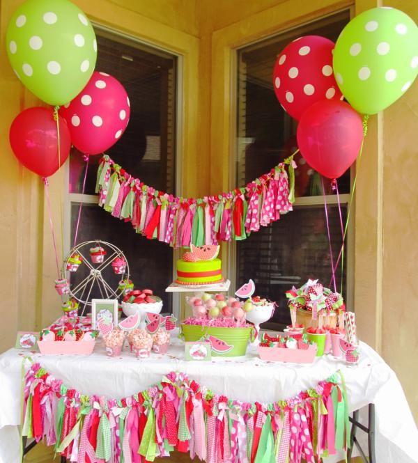 המדריך לקישוט מסיבות - קישוט שולחן המסיבה