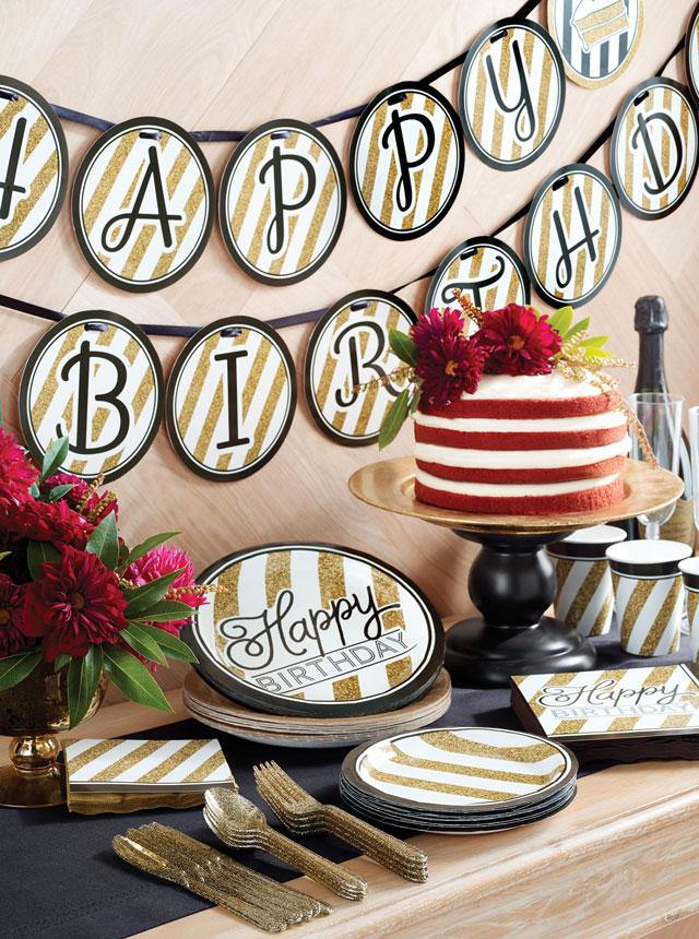 יום הולדת שש עשרה המתוק - שחור זהב