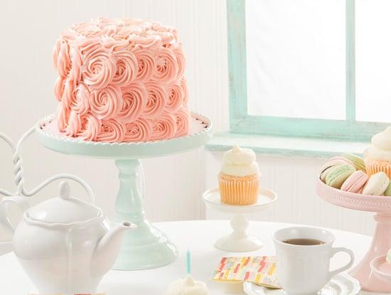 קישוט עוגה באמצעות זילוף