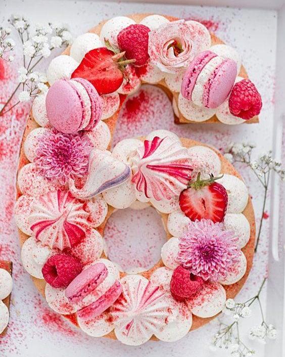 טרנדים בקישוט עוגות - עוגות מספרים