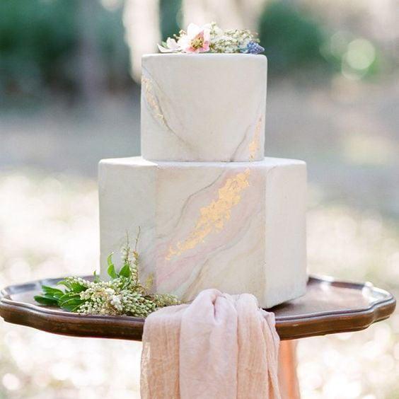 טרנדים בקישוט עוגות - עוגות עם טקסטורת שיש