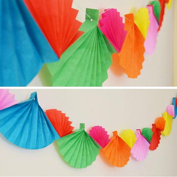 קישוטים למסיבת פורים - שרשרת מניפות צבעונית