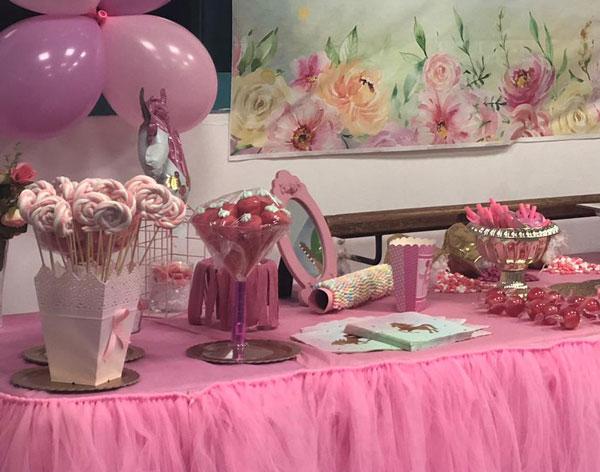 מסיבת חד קרן פרחונית מרהיבה לגיל שנתיים - ממתקים וקינוחים בורוד ולבן