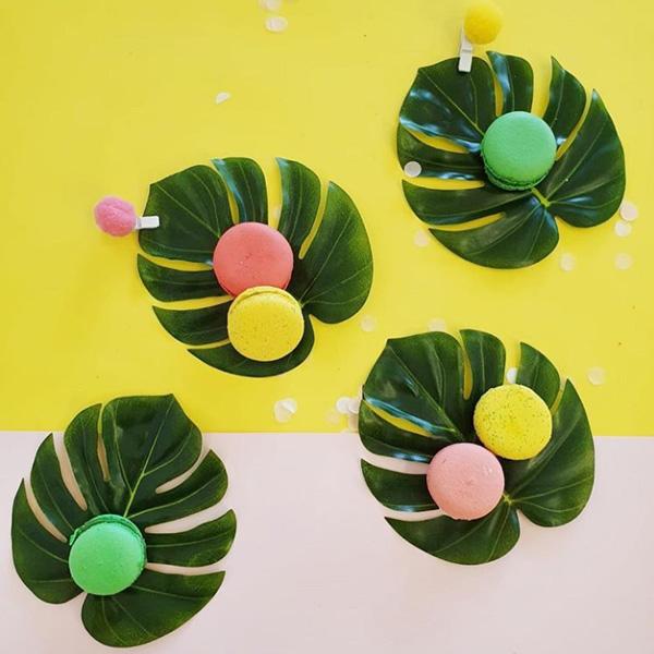 עלים טרופיים לעיצוב שולחן - גודל קטן