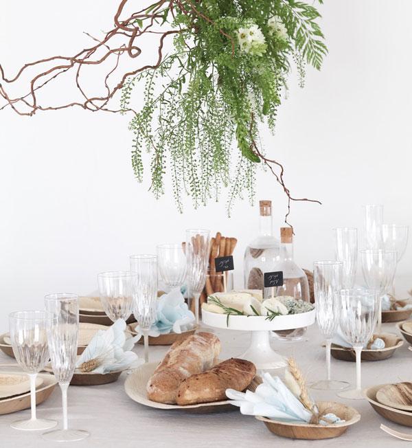 עיצוב שולחן חג שבועות - מפיות פסטל תכולות