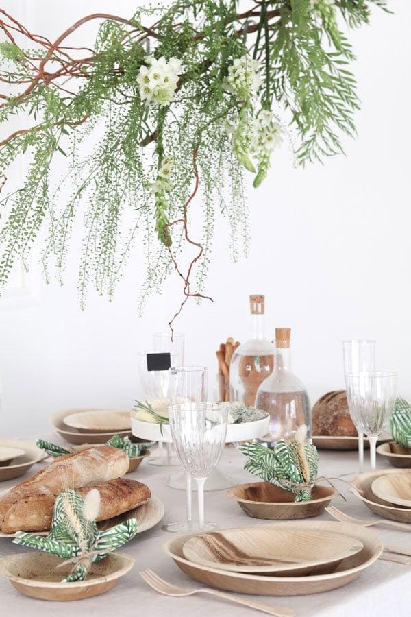 עיצוב שולחן חג שבועות -כלים מתכלים מעלי דקל