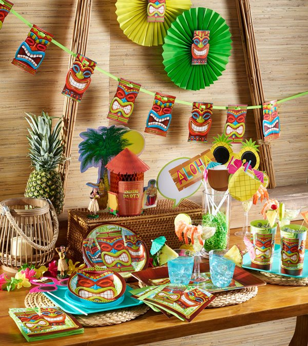 רעיונות לעיצוב מסיבה אפריקאית - הסט Tiki Time