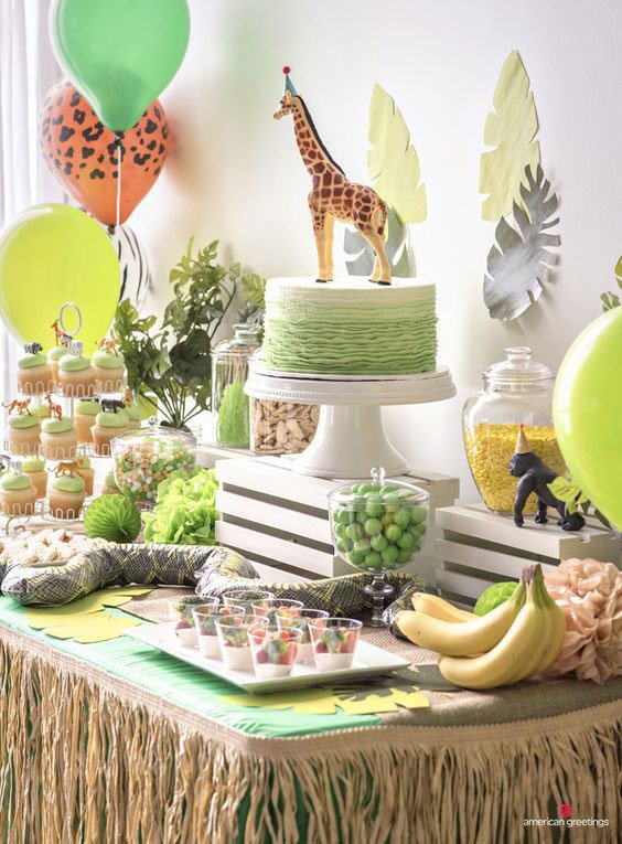 רעיונות לעיצוב מסיבה אפריקאית - הוסיפו קש