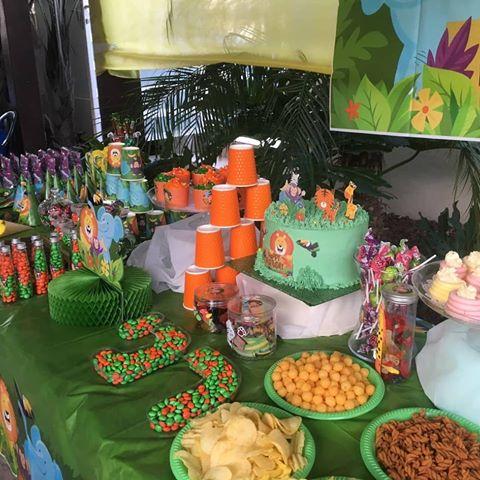 יום הולדת הרפתקאה בספארי - שולחן מעוצב