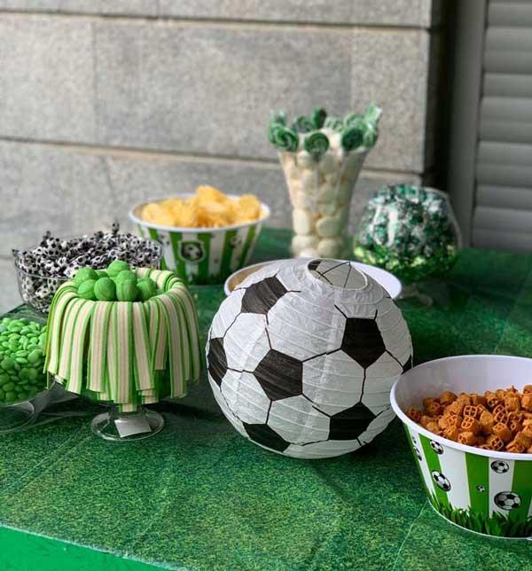יום הולדת כדורגל - כלי הגשה