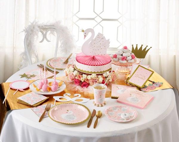 מסיבת ברבור לבן - שולחן מעוצב
