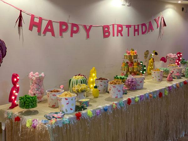 מסיבה טרופית - בר ממתקים מעוצב