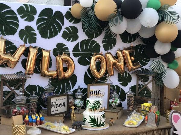 10 מוצרים לעיצוב מסיבת ספארי - עלים טרופיים