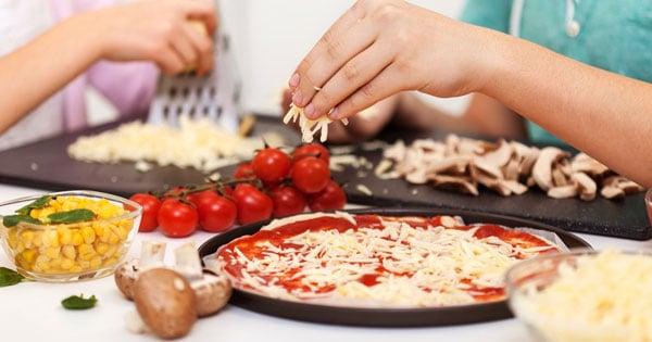 לחגוג יום הולדת בצל הקורונה - סדנת פיצה