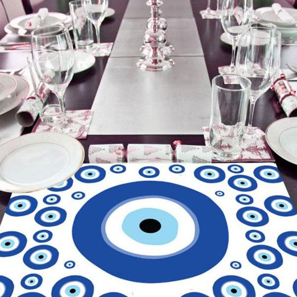 מסיבה יוונית עין כחולה - פלסיימנטים