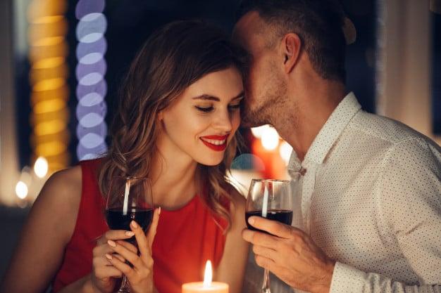 איך לחגוג יום נישואים בצל הקורונה - ארוחה רומנטית