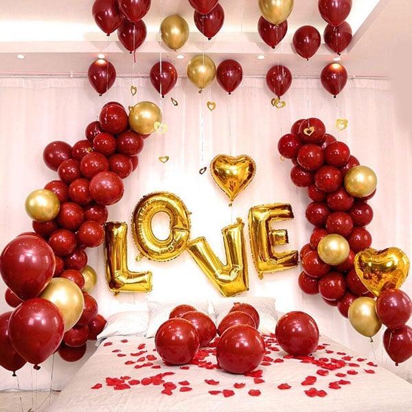איך לחגוג יום נישואים בצל הקורונה - חדר בלונים מושקע