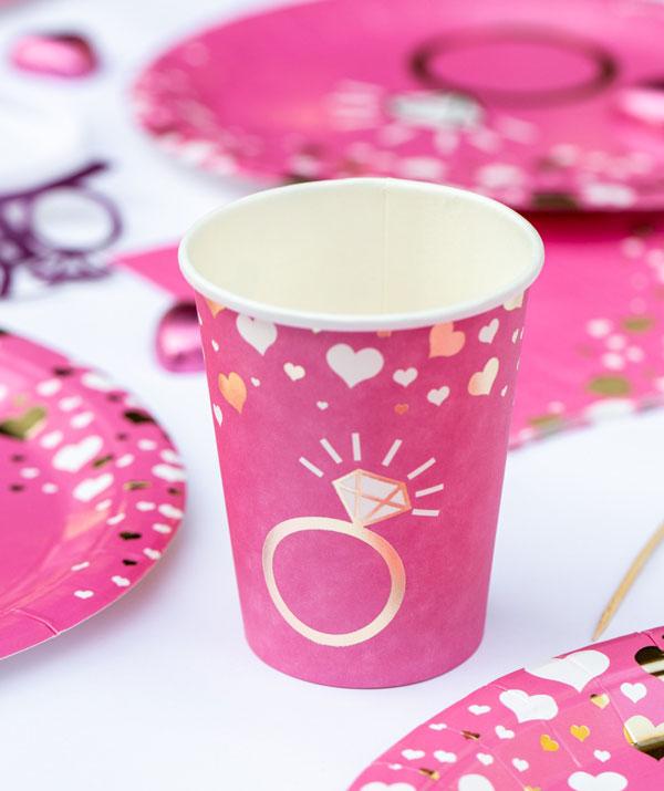 מסיבת רווקות שיקית - כוסות מעוצבות