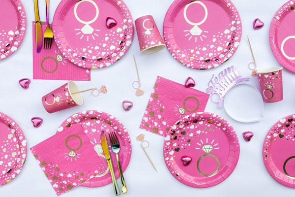 מסיבת רווקות שיקית - שולחן מעוצב