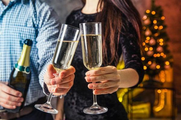רעיונות למסיבת New Year בבית - התארגנו על אוכל ואלכוהול